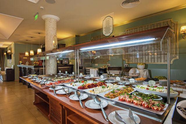 Miramar Hotel Kavatsi - Food and dining
