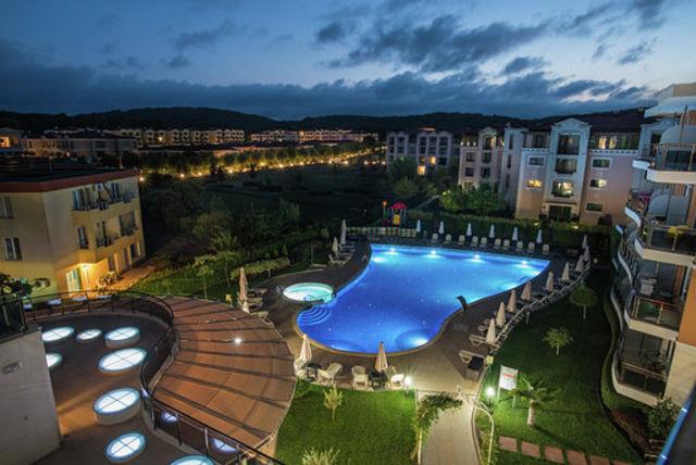 Miramar Hotel Kavatsi - Night life